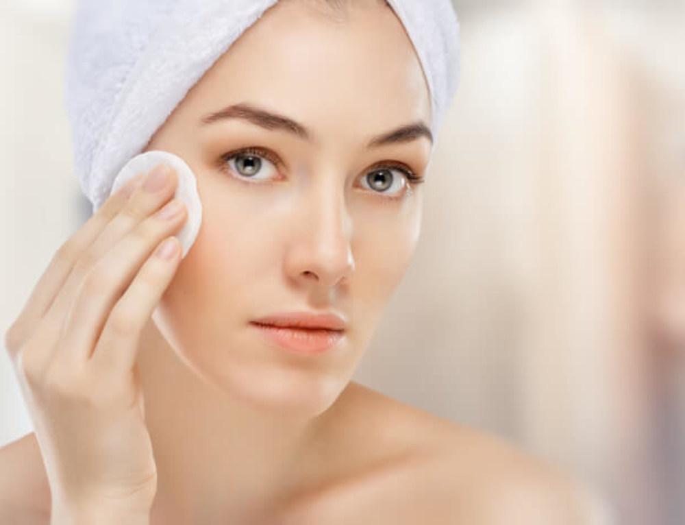 Calendário semanal com cuidados para a pele do rosto